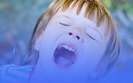 atasi anak rewel saat tumbuh gigi