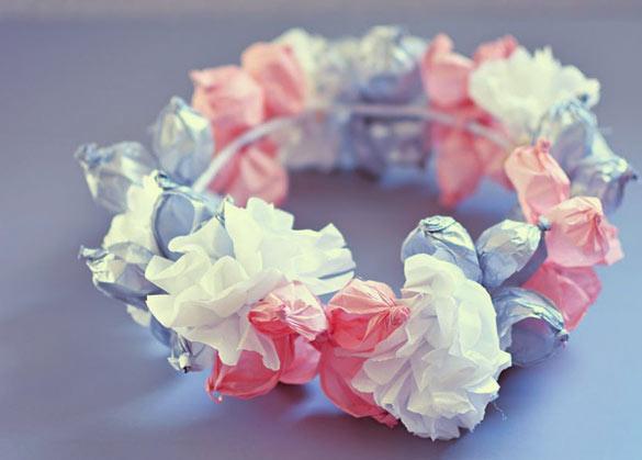 Bando bunga dari kertas tisu