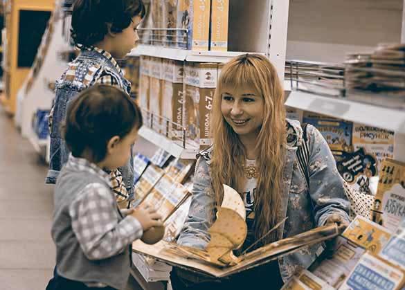 Tahapan mengenalkan buku pada anak.