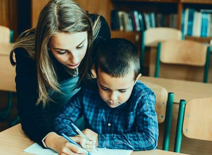 Tips orangtua memperbaiki hubungan dengan guru.