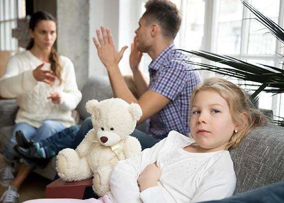 apa yang dirasakan anak saat oarngtua bertengkar?
