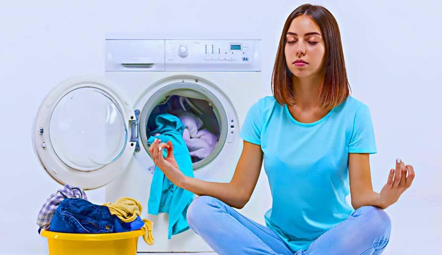 Cara Mudah Persingkat Waktu Cuci Baju Bagi Ibu yang Sibuk