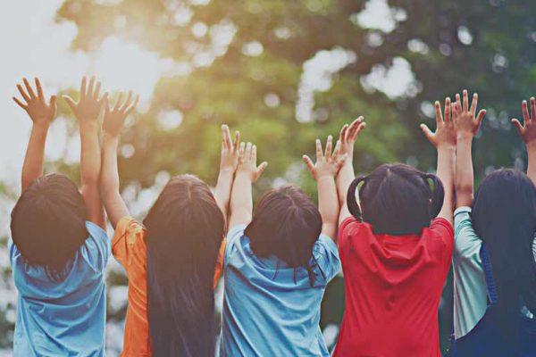 cara bantu anak memilih teman baik