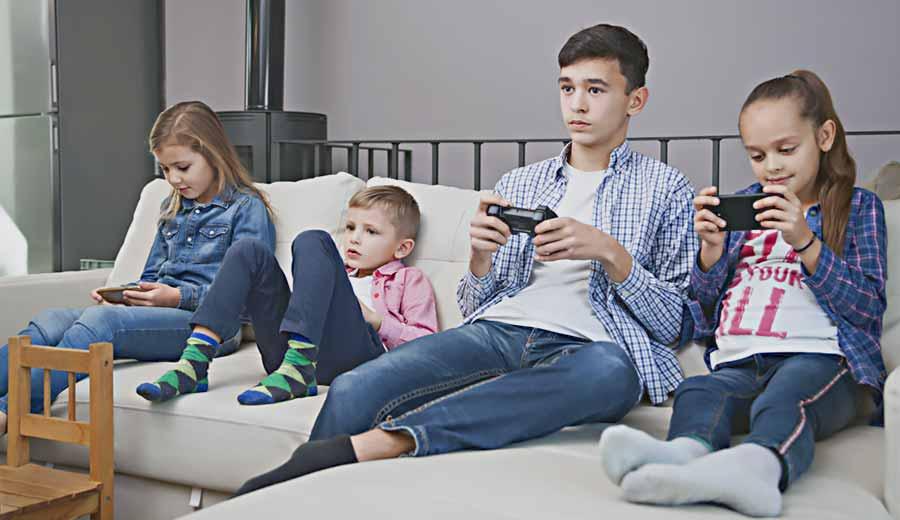 Kuis: Anak Sudah Kecanduan Gadget? Cek Di Sini Yuk!